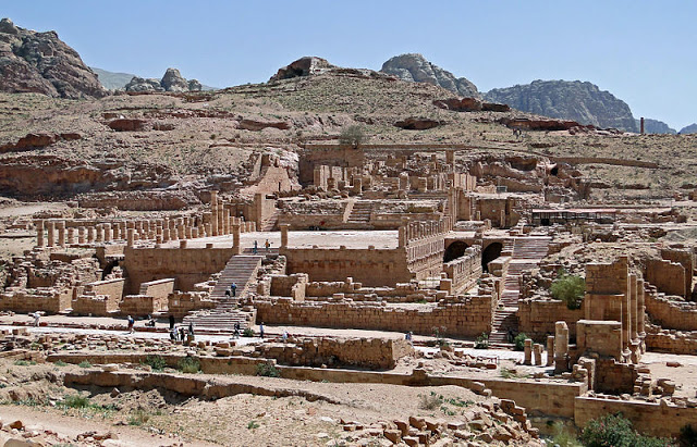 Petra Antik Kenti Buyuk Tapinak